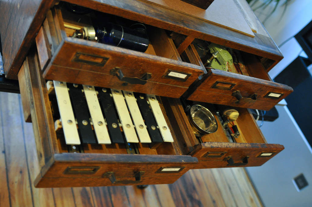 Song Cabinet